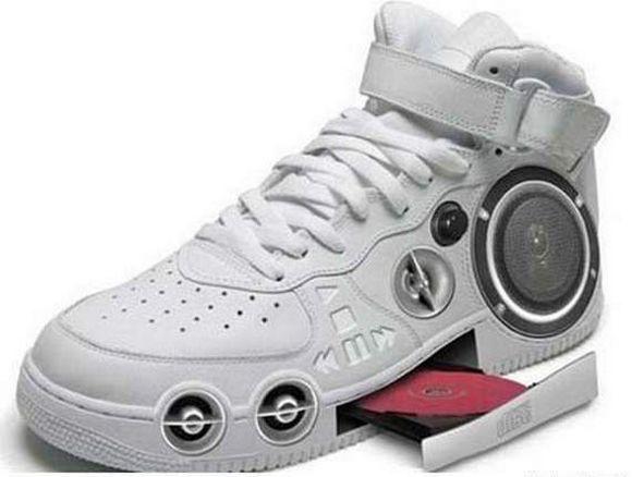 נעליים בצחוק