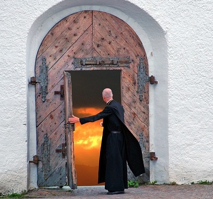הכומר