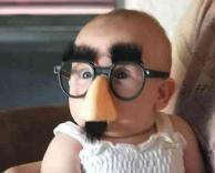 תינוק מצחיק