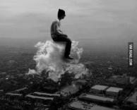 רוכב על עננים