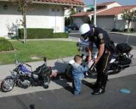 שוטר צעיר